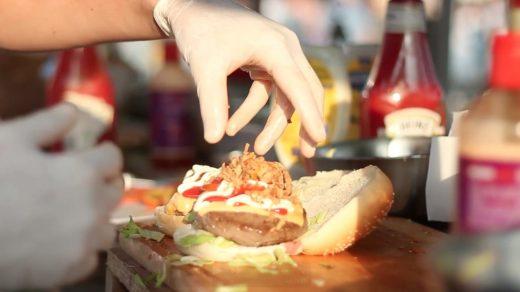HorecaNederland.TV duikt in de wereld van foodfestivals. Waarom zijn ze zo populair en wat vindt de reguliere horeca ervan?