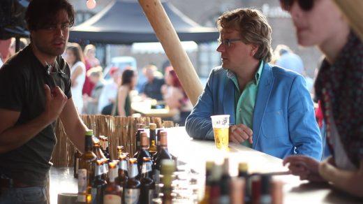 Veel kraamhouders op foodfestivals komen uit de reguliere horeca. Wat is het verschil tussen werken op een foodfestival en werken in de reguliere horeca?