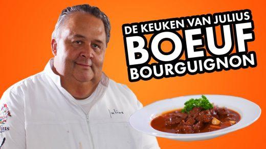 Tip nodig voor de komende feestdagen? In de achtste De Keuken van Julius toont chefkok Julius Jaspers hoe je een heerlijke Boeuf Bourguignon maakt.